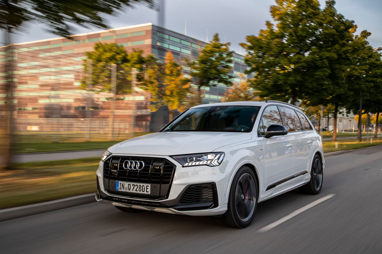Luxury, space and efficiency: ||The Audi Q7 TFSI e quattro
