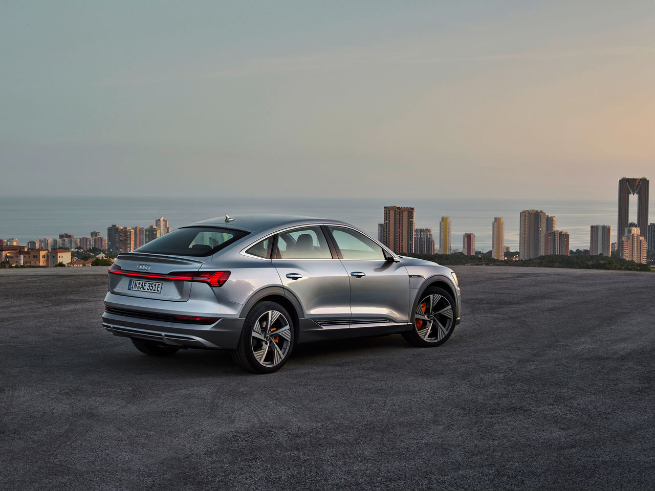 SUV Coupé for the e-tron Family: ||The Audi e-tron Sportback
