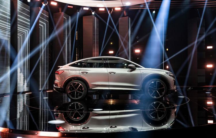 World premiere of the Audi Q4 e-tron: Celebration of Progress