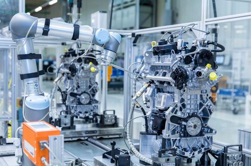 Audi Hungaria: Audi's 3-cylinder engines sniffed by robot