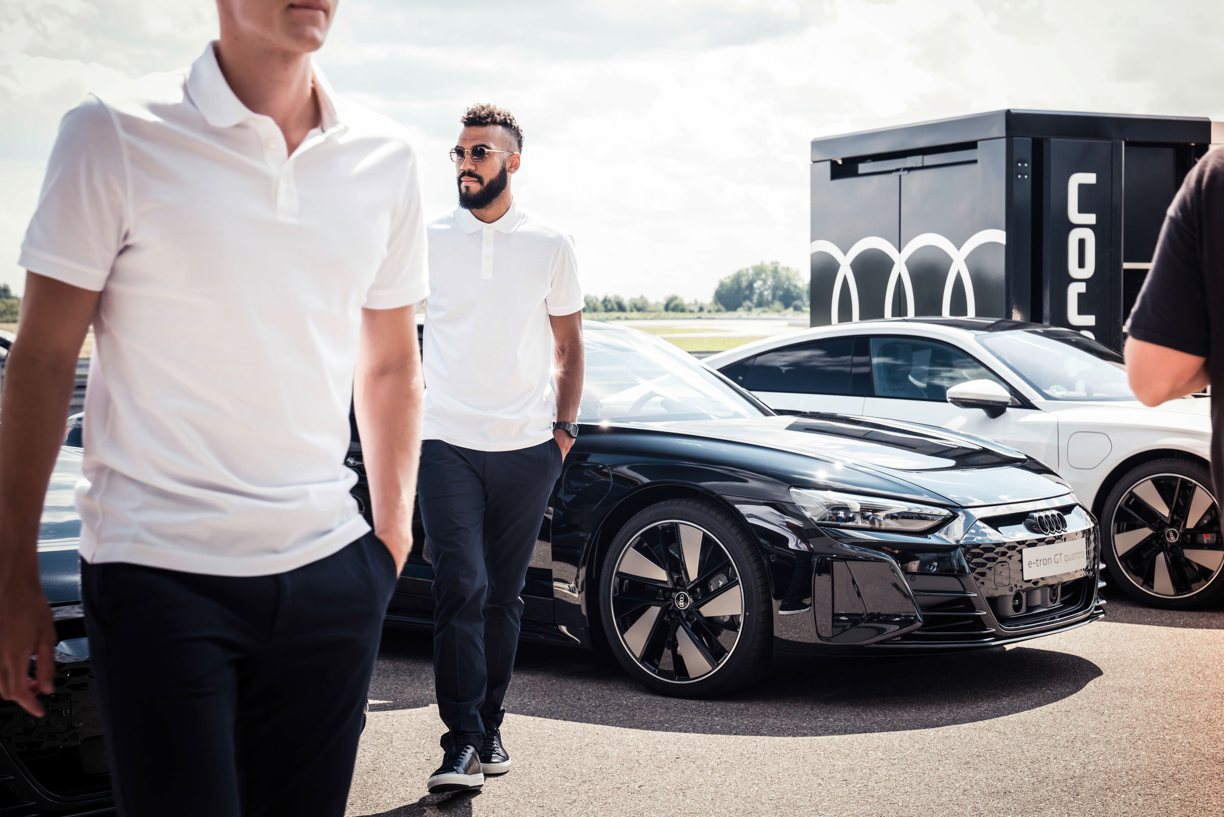 Electrification 2.0: pros from FC Bayern receive Audi e-tron GT - Image 4