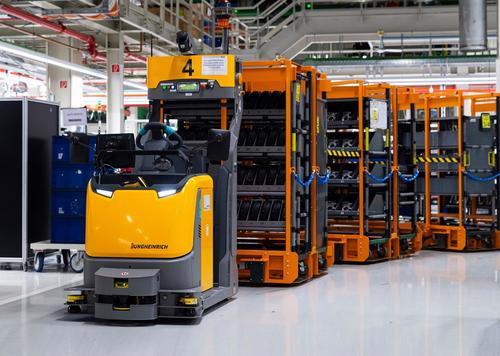 "Audi Hungaria: ""smart logistics"" with driverless transport system"