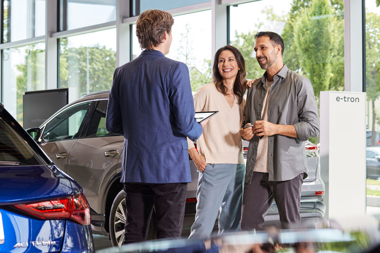 Audi is developing new business models and sales potential – in retail, in the vehicle, and via innovative mobility services.