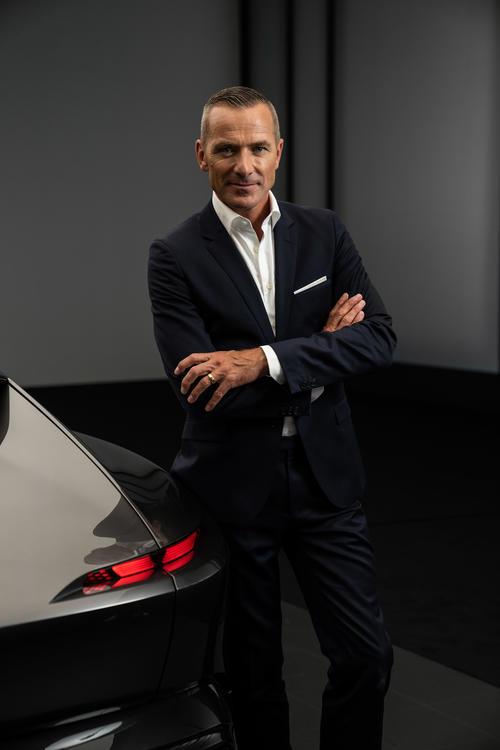 World Premiere Audi grandsphere concept – Celebration of Progress