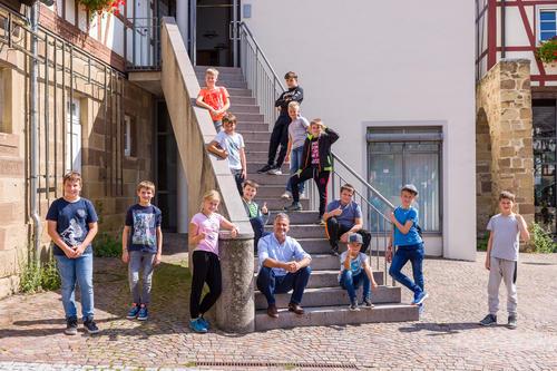 Audi Sommerkinder vor Ort beim Bürgermeister