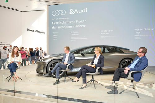 Audi discusses social aspect of autonomous driving with experts at the IAA
