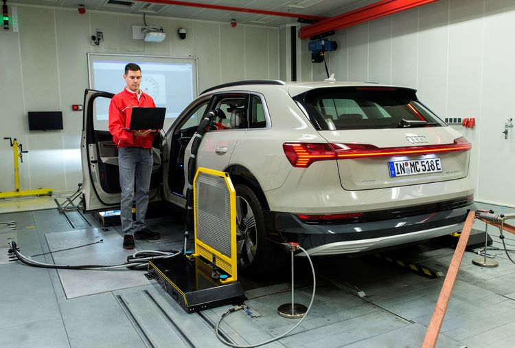 Audi Hungaria celebrates 20 years of Technical Development and gives a glimpse into the future