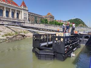 Removing plastic from the Danube: Audi Environmental Foundation supports clean-up project in Budapest