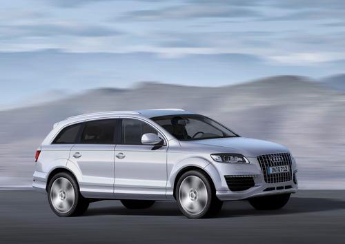 Audi Q7 V12 TDI; Colour: Silver, metallic