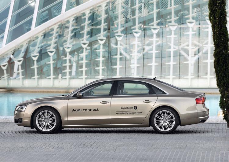 Audi A8 L mit zukunftsweisender LTE-Mobilfunktechnik