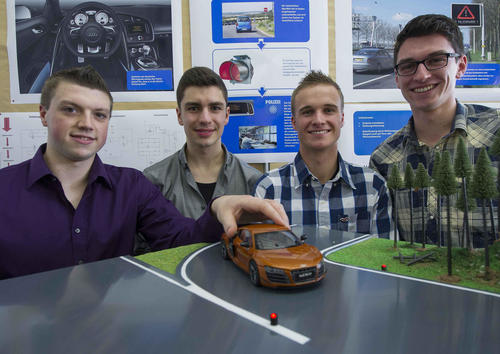 "Azubi-Team beim 34. Regionalwettbewerb ""Jugend forscht"" bei Audi in Ingolstadt:"