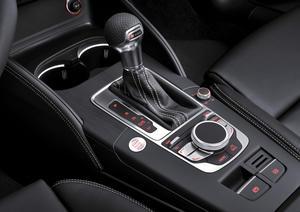 Audi A3 Mittelkonsole mit MMI-Terminal