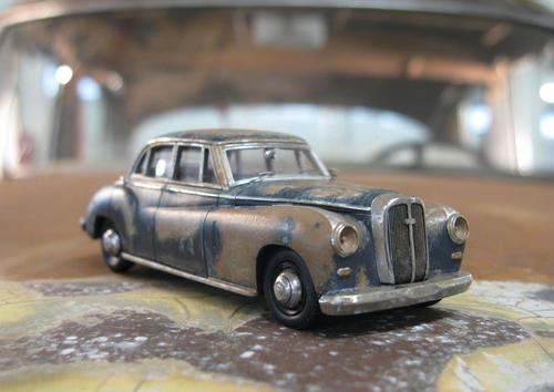 Das Modell auf dem Original: Der Horch 830 BL aus dem Jahre 1953.
