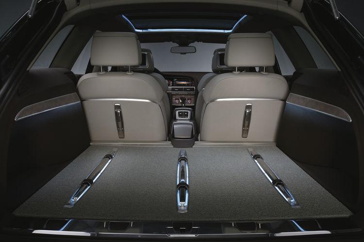 Audi allroad quattro concept - interior