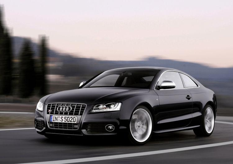 Audi S5: Dynamic photo