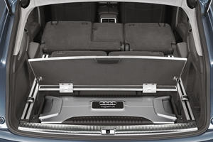 Audi Q7 hybrid concept - Luggage compartment detail