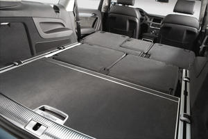 Audi Q7 hybrid concept - Luggage compartment