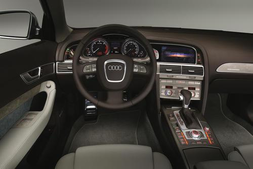 Audi allroad quattro concept - cockpit