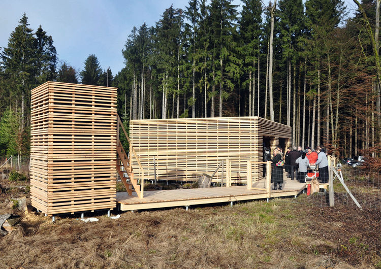 "36,000 oak trees have been planted near Ingolstadt to kick-off a unique research initiative: Together with the Bavarian State Forestry and the Chair of Forest Yield Science at the Technical University of Munich, Audi has launched the ""Oak Forest CO2 Reservoir"" research project. A pavilion in timber-frame construction was built for this event."