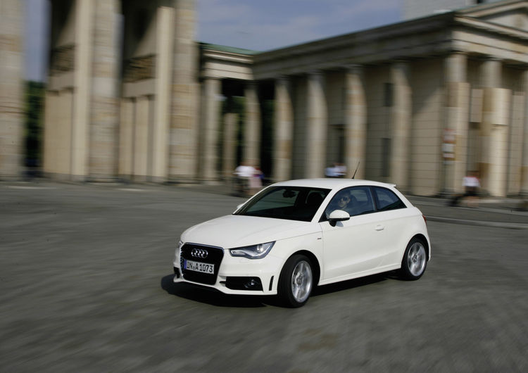 "The intelligent car fleet: ""Audi shared fleet"" takes on the German capital"