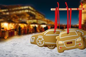 Sonderthema - 1. Internationaler Weihnachtsmarkt auf der Piazza