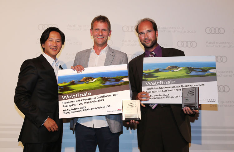 Clemens Lee (Leiter Messen, Veranstaltungen und Sportvermarktung der AUDI AG) gratulierte Ronald Zschornack und Stefan A. Uhlich
