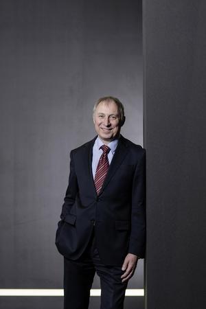 Dr. Wolfgang Huhn