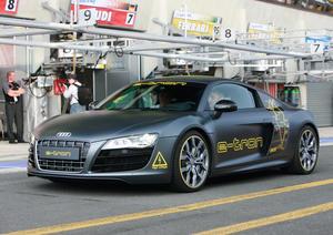 Audi präsentiert beim bedeutendsten Sportwagen-Rennen des Jahres einen Technikträger des Audi e-tron auf Basis des R8