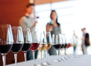 Erlebnisgastronomie - Kulinarischer Weinabend im AVUS
