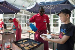 Gemeinsam für die gute Sache: Audi-Freiwilligentag in Ingolstadt