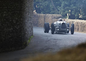 In action no less than five times this year: the Auto Union Silver Arrows, here the reconstruction of the 1936 Type C at the Goodwood Festival of Speed.