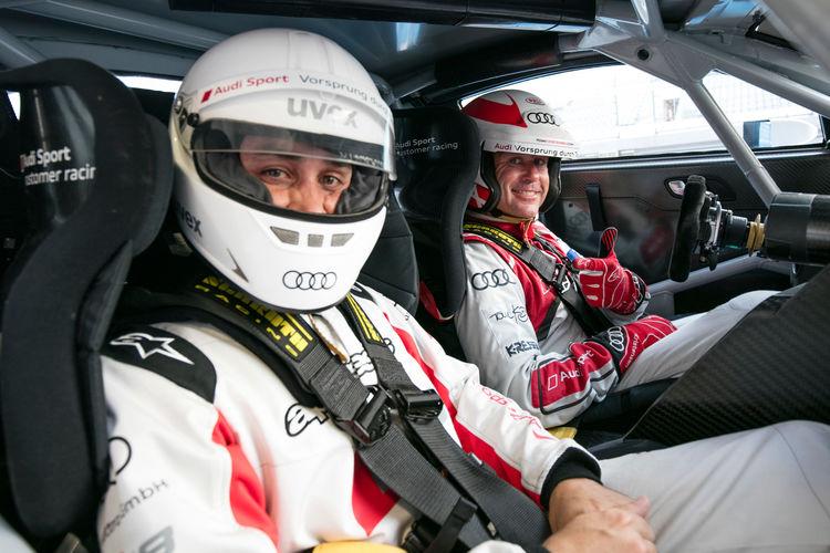 Rennfahrer von Audi bei R8-Präsentation
