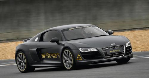 """Audi schickt im Rahmen der """"Silvretta E-Auto Rallye Montafon 2010"""" einen e-tron-Technikträger im Kleid eines R8 ins Rennen."""