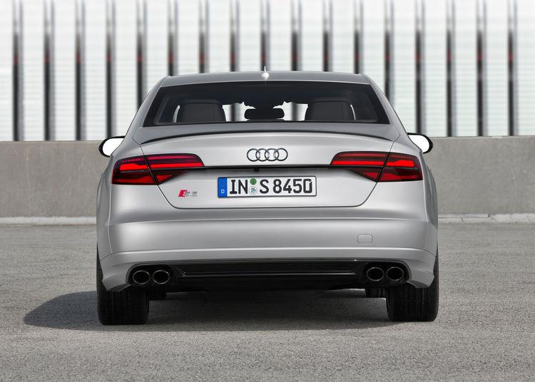 Audi S8 plus (2015)
