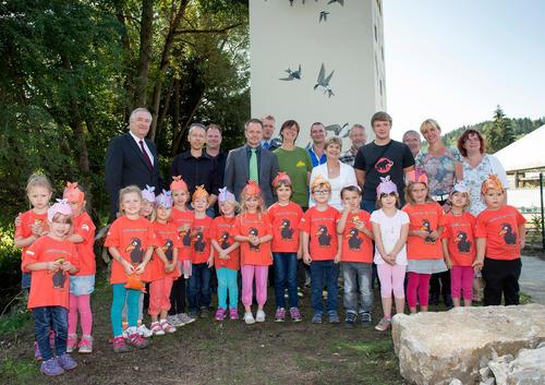 Gemeinsam mit der Stadt Suhl weiht die Audi Stiftung für Umwelt GmbH am 26.8. ein umgestaltetes Trafohäuschen für gefährdete und bedrohte Tierarten ein.