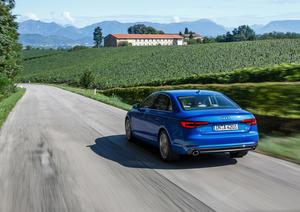 Audi A4 2.0 TFSI quattro