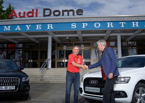 Bayern's basketballers drive Audi Q5