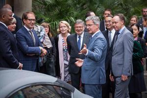 "Audi-Chef Rupert Stadler präsentiert Bundesverkehrsminister Alexander Dobrindt und G7-Verkehrsministern den Audi A7 piloted driving concept ""Jack""."