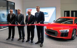 Eröffnung des Besucherwegs in der R8-Manufaktur in den Audi Böllinger Höfen