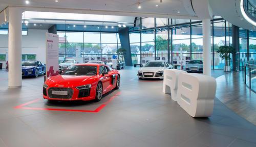 """""""Born on the track. Built for the road"""" – Die Audi R8-Sonderausstellung im Audi Forum Neckarsulm vom 17. September bis 15. Oktober 2015."""