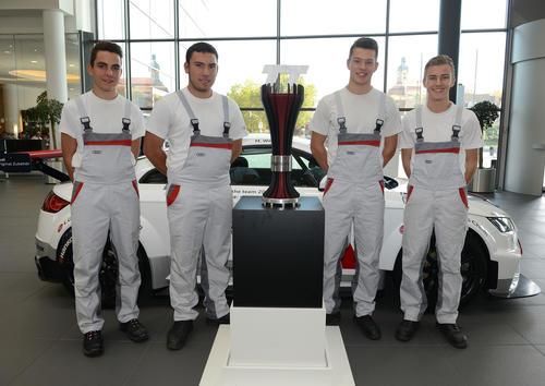 Produktion des Meisterpokals im Audi Sport TT Cup