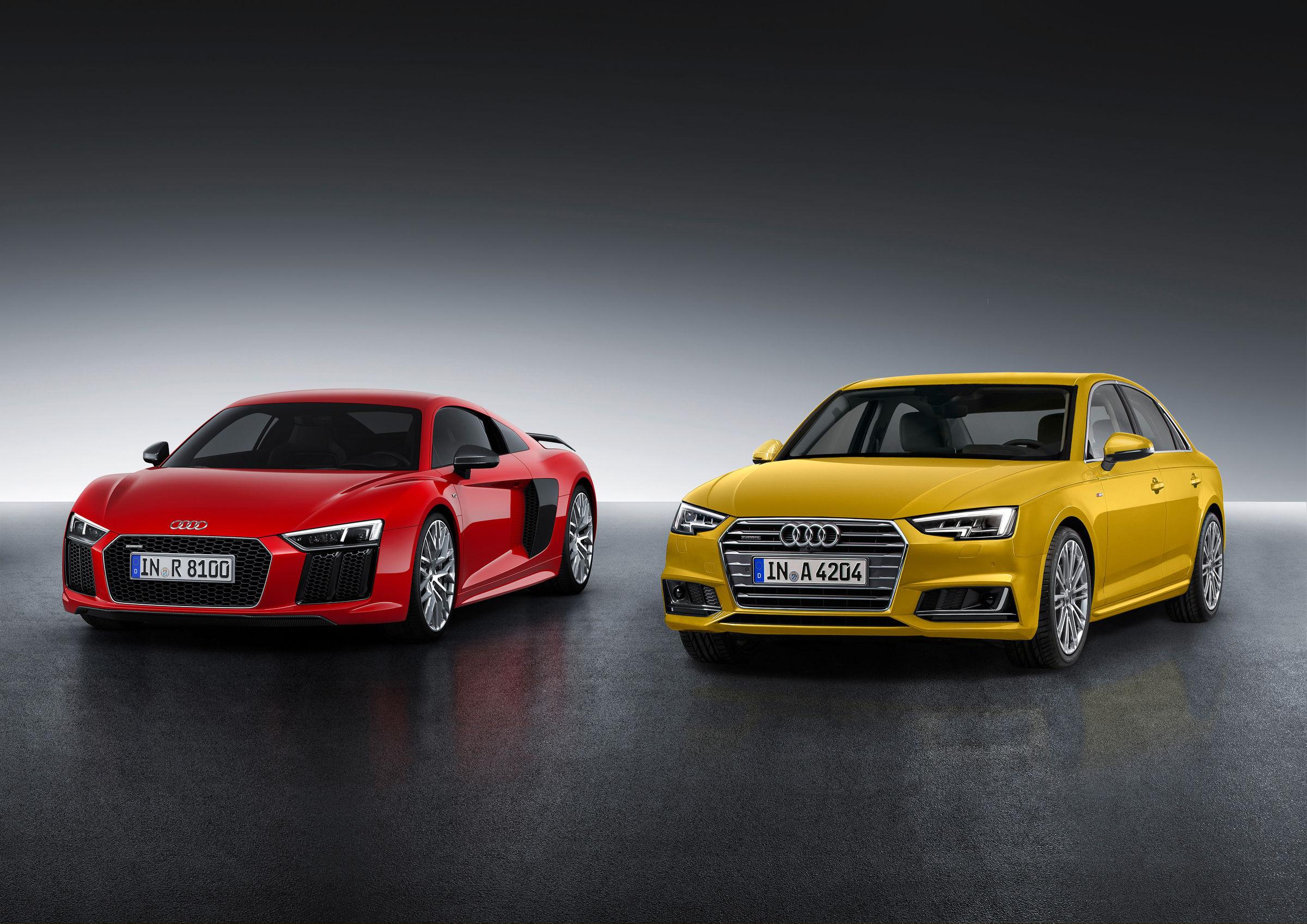 "Gewinner des ""Goldenen Lenkrads 2015"": Audi R8 und Audi A4 Limousine"