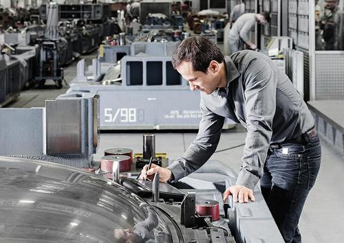 """Audi zeigt Innovationen des Werkzeugbaus auf der Messe """"formnext"""""""