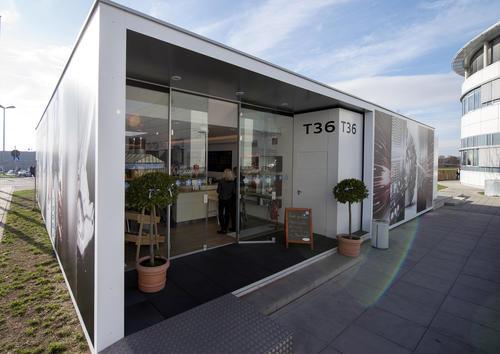 """Audi eröffnet """"Café Vergissmeinnicht"""""""