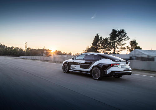 Audi RS 7 piloted driving concept drives autonomously in record time on race track in Spain