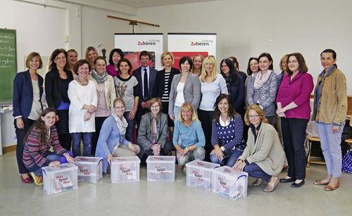 Audi unterstützt Stiftung Zuhören