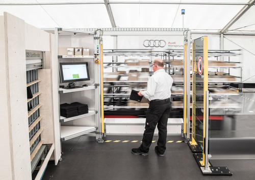 Audi's logistics of the future:  Goods being commissioned move autonomously to employees
