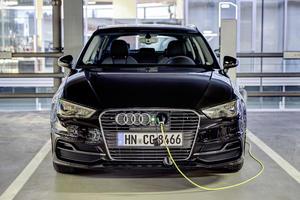 Unter Strom: Elektro-Ladesäulen im Audi Forum Neckarsulm