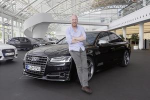 Prominenter Besuch bei Audi-Mitarbeitern: Zusammen mit den Vorständen des FC Bayern München Matthias Sammer und Andreas Jung schauten David Alaba, Claudio Pizarro und Rafinha bei Audi vorbei.