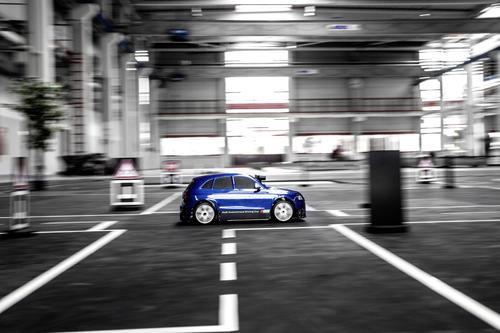 Bestes pilotiert fahrendes Modellauto gesucht